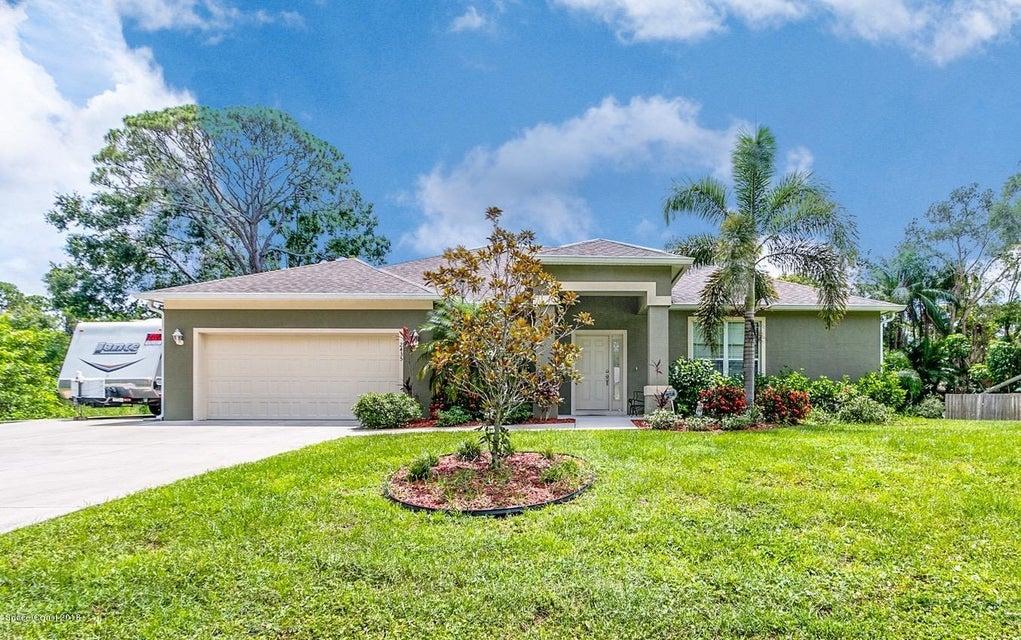 獨棟家庭住宅 為 出售 在 2435 Commodore 2435 Commodore West Melbourne, 佛羅里達州 32904 美國