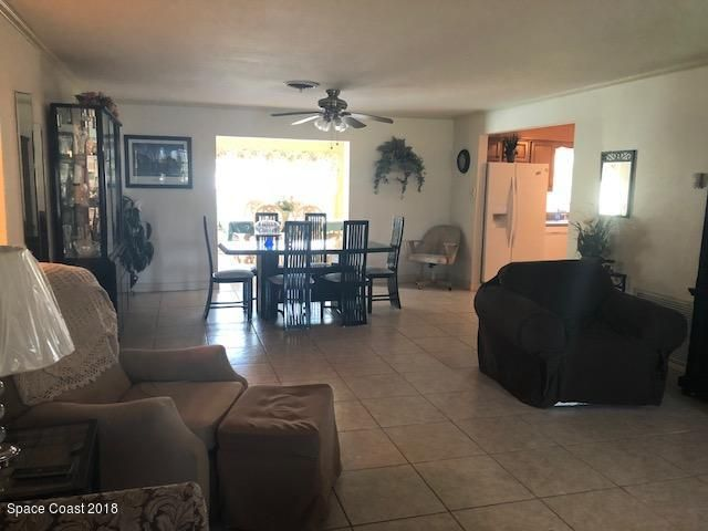 Additional photo for property listing at 279 Ellwood 279 Ellwood Satellite Beach, Florida 32937 United States