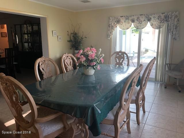 Additional photo for property listing at 279 Ellwood 279 Ellwood Satellite Beach, Florida 32937 Estados Unidos