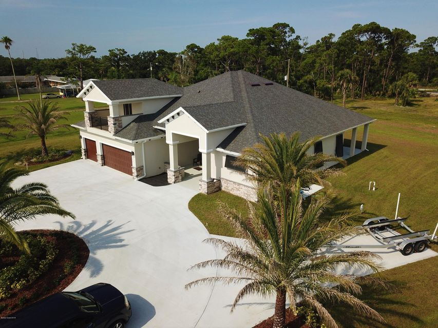 Single Family Home for Sale at 4620 S Highway 1 4620 S Highway 1 Grant Valkaria, Florida 32949 United States