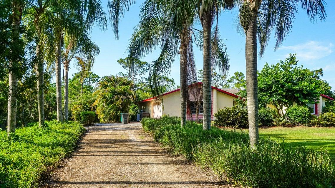 Enfamiljshus för Försäljning vid 2060 Atz 2060 Atz Malabar, Florida 32950 Usa