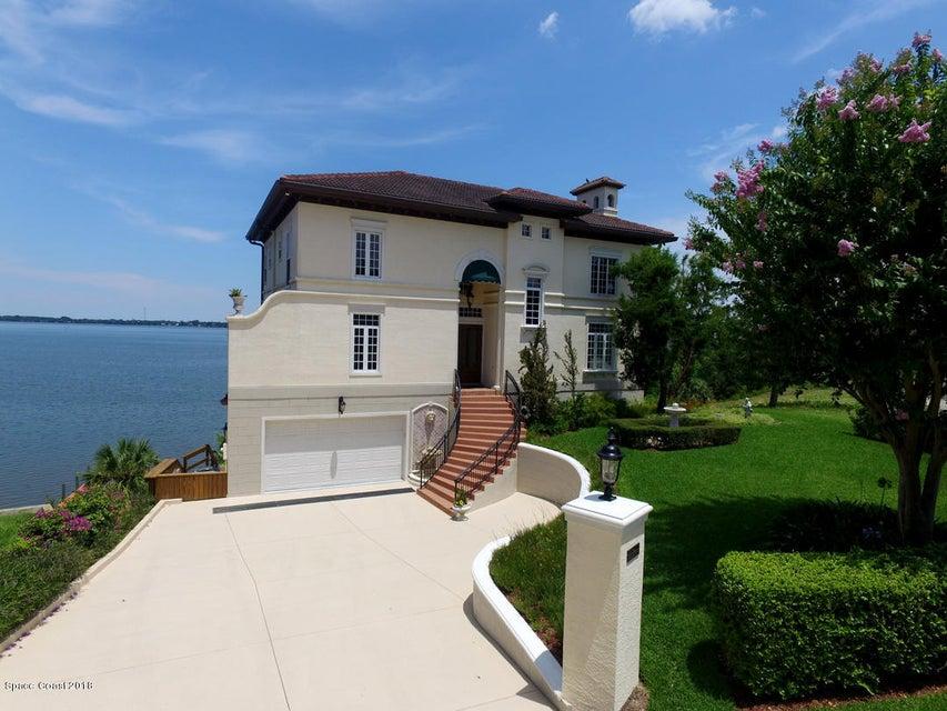 Enfamiljshus för Försäljning vid 2600 N Indian River 2600 N Indian River Cocoa, Florida 32922 Förenta staterna