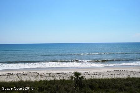 Maison unifamiliale pour l Vente à 1455 Highway A1a 1455 Highway A1a Satellite Beach, Florida 32937 États-Unis