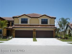 Maison unifamiliale pour l Vente à 676 Carlsbad 676 Carlsbad Satellite Beach, Florida 32937 États-Unis