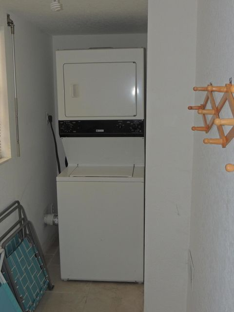 Additional photo for property listing at 383 N Atlantic 383 N Atlantic Cocoa Beach, Florida 32931 Verenigde Staten