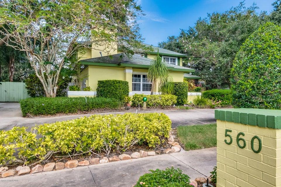 獨棟家庭住宅 為 出售 在 560 Lake Ashley 560 Lake Ashley West Melbourne, 佛羅里達州 32904 美國
