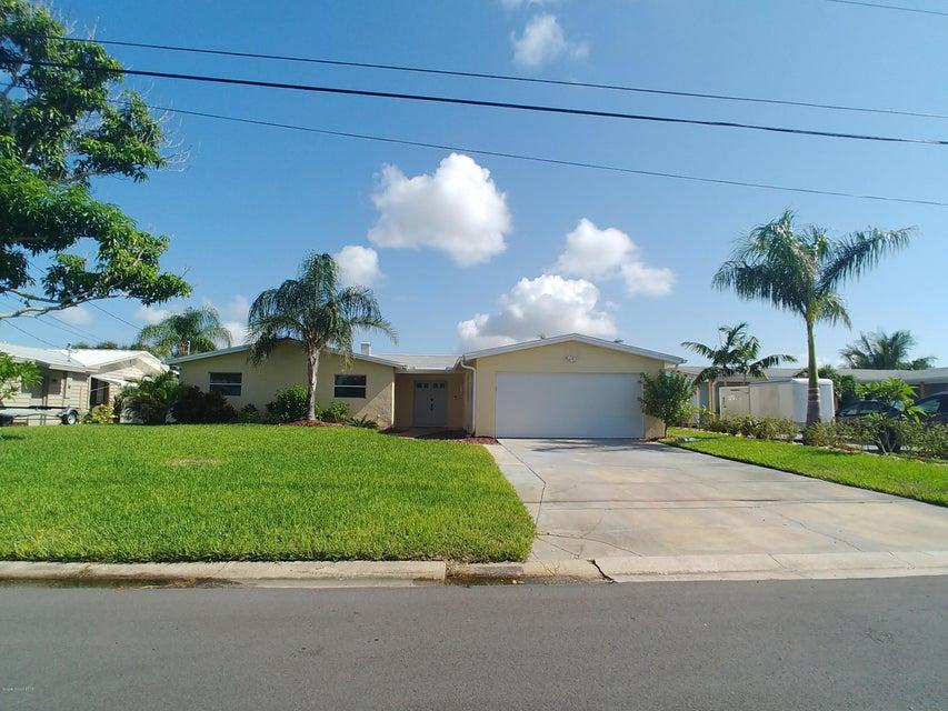 独户住宅 为 出租 在 1630 Davis 1630 Davis 梅里特岛, 佛罗里达州 32952 美国