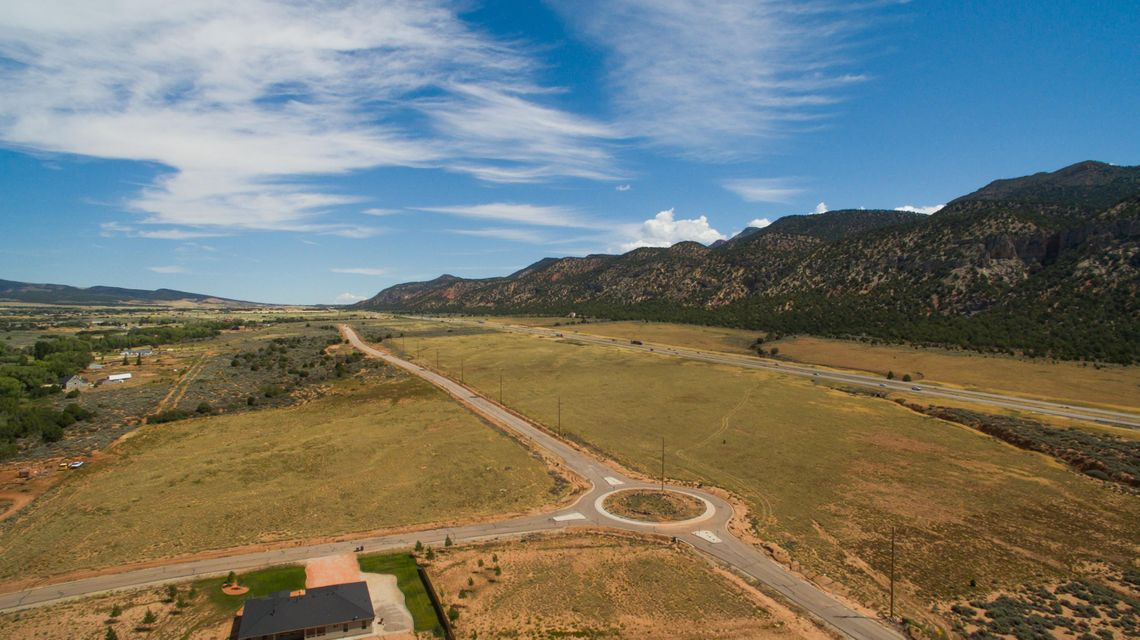 Additional photo for property listing at Kolob Ranch Estates Kolob Ranch Estates New Harmony, Utah 84757 Estados Unidos