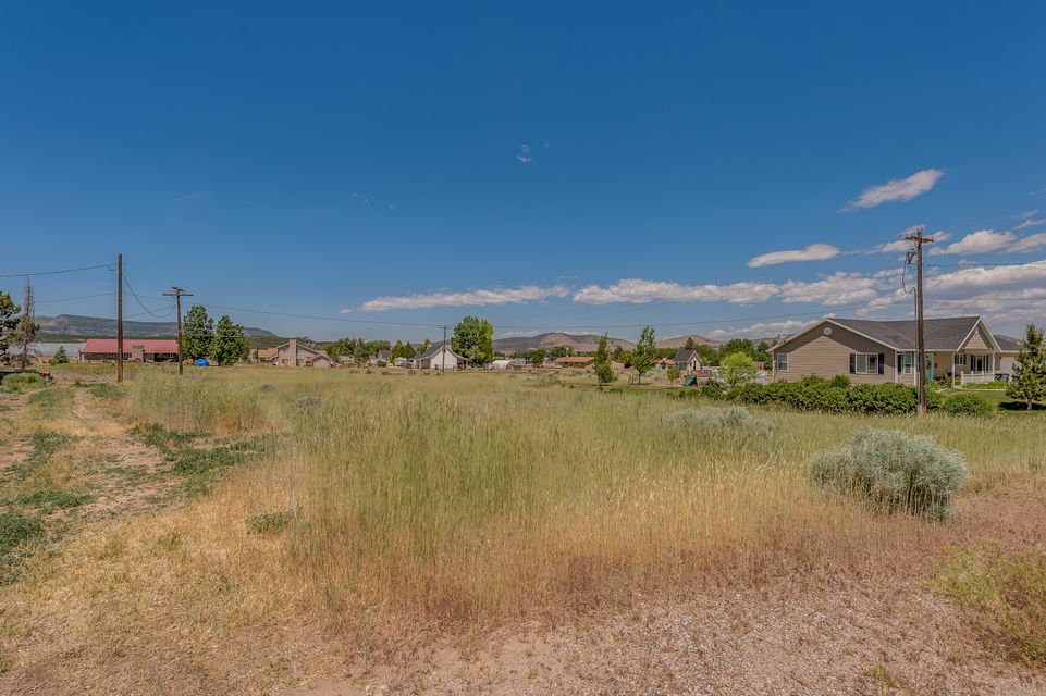 Additional photo for property listing at 340 400 340 400 Enterprise, Utah 84725 United States