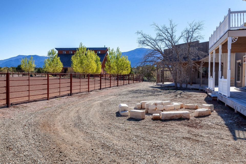 Riata Ranch, located in New Harmony, Utah is the ultimate horseman\