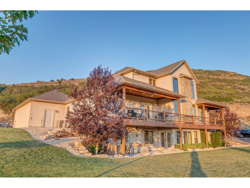Additional photo for property listing at 1000 BLUFFS Drive 1000 BLUFFS Drive Francis, Utah 84036 États-Unis