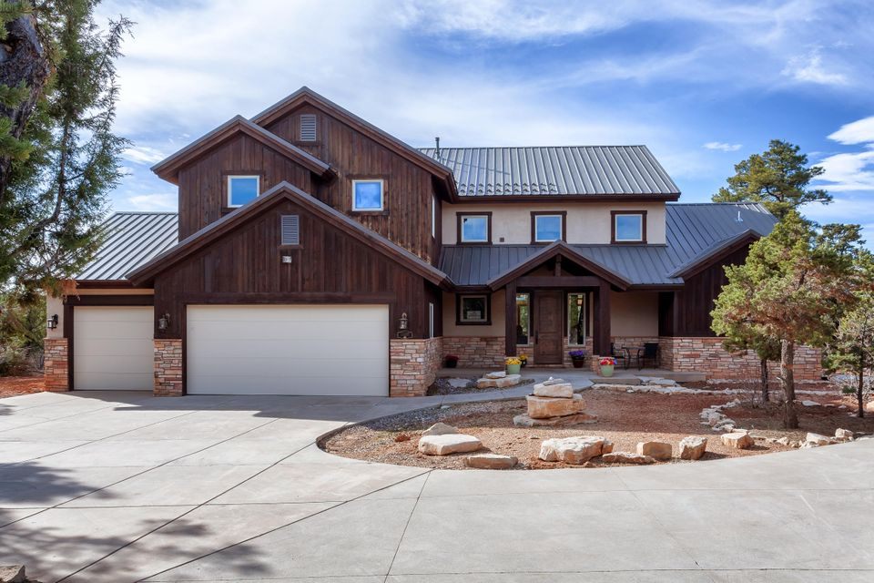 Single Family Home for Sale at 710 Zion Drive 710 Zion Drive Mount Carmel, Utah 84755 United States