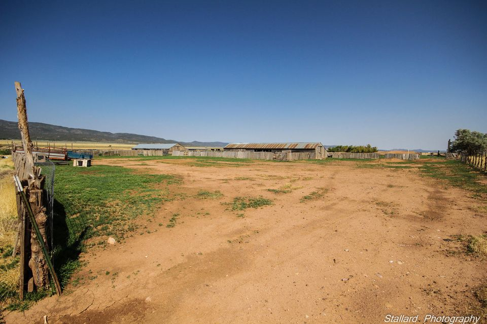 Additional photo for property listing at 160 Acres Bumblebee Springs Road 160 Acres Bumblebee Springs Road Kanarraville, Юта 84742 Соединенные Штаты