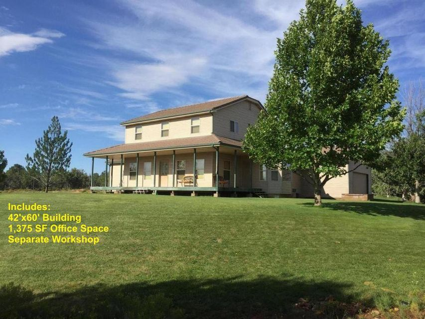 Single Family Home for Sale at 474 Coyote Road 474 Coyote Road Apple Valley, Utah 84737 United States