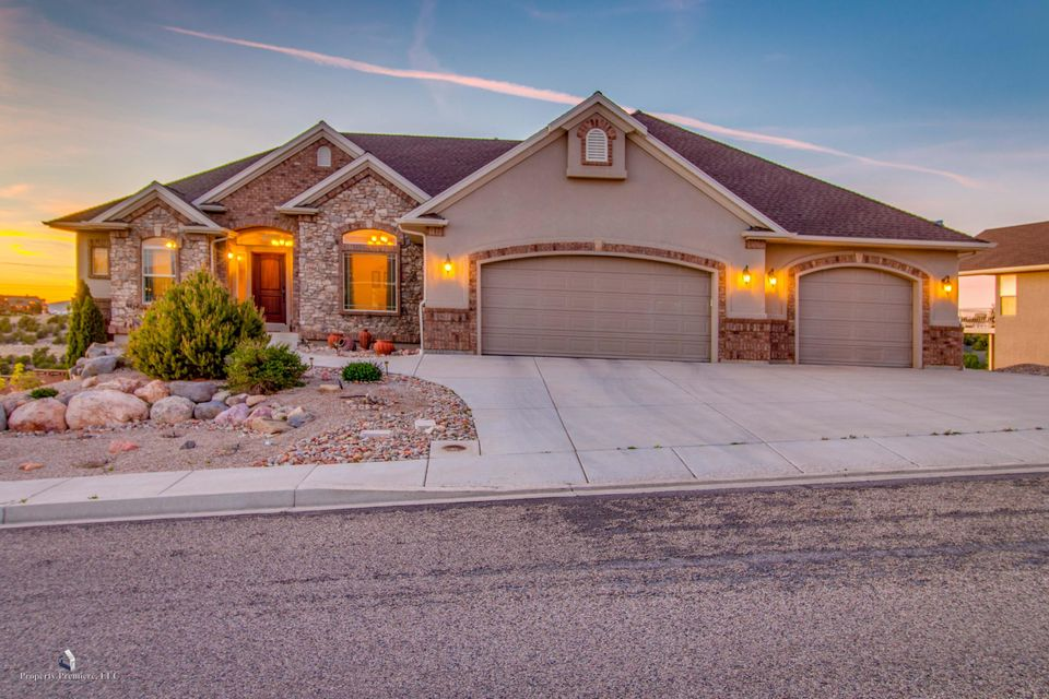 Additional photo for property listing at 2468 Cody Drive 2468 Cody Drive Cedar City, Utah 84720 États-Unis