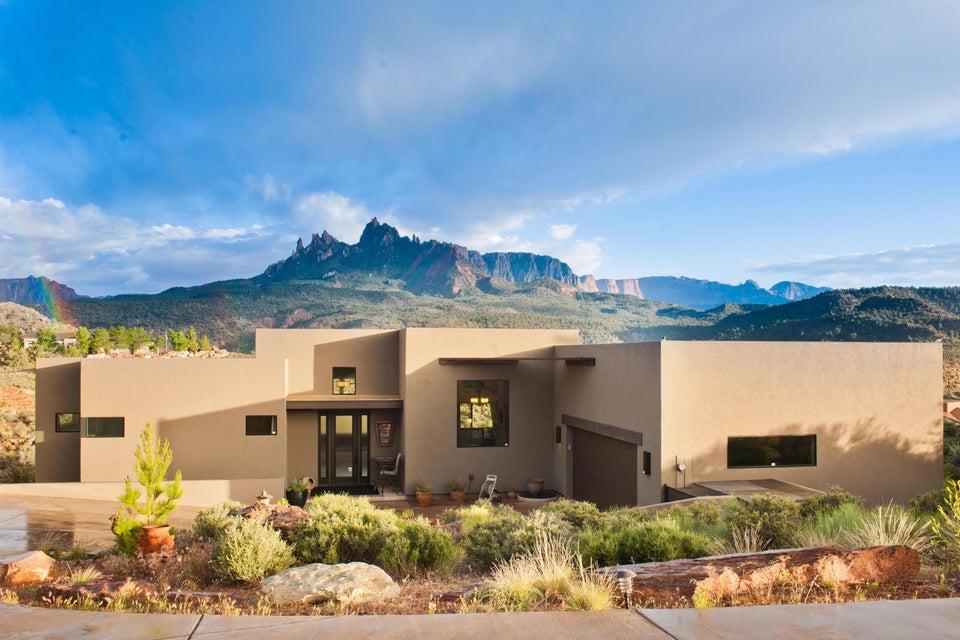 Maison unifamiliale pour l Vente à 2704 Hopi Circle 2704 Hopi Circle Springdale, Utah 84767 États-Unis
