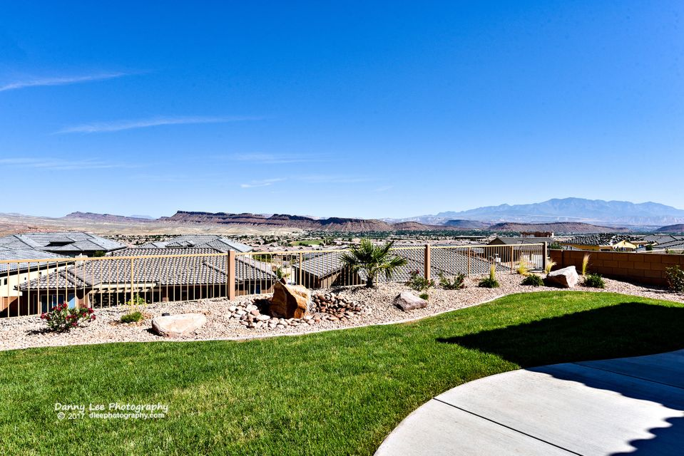 Additional photo for property listing at 1392 Grapevine Drive 1392 Grapevine Drive St. George, Utah 84790 Estados Unidos