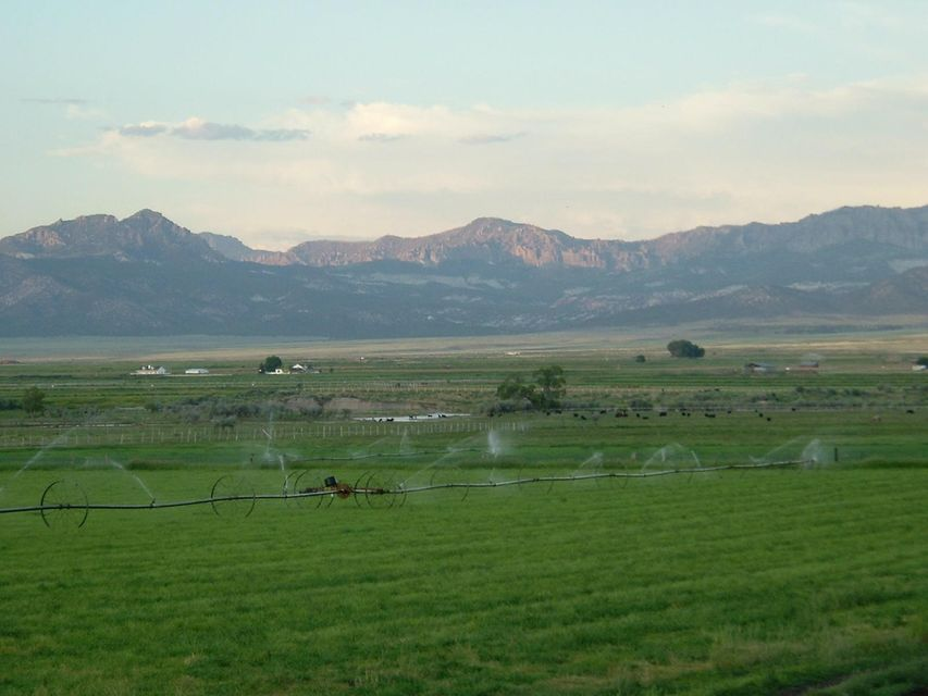 Additional photo for property listing at 79.92 acre T34S R16W 79.92 acre T34S R16W Beryl, Utah 84714 États-Unis