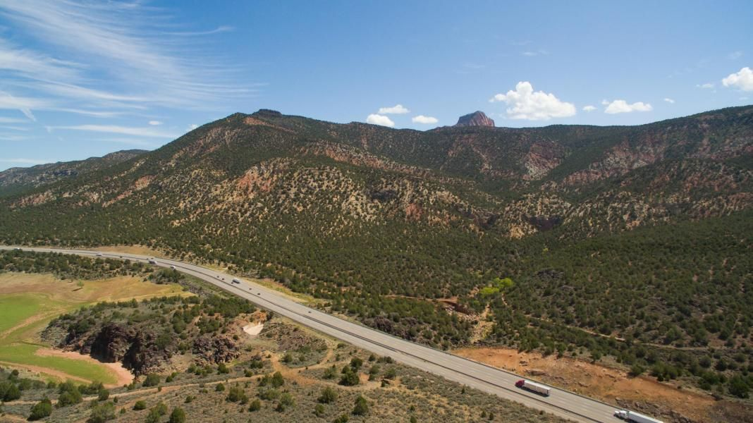 Additional photo for property listing at Kolob Ranch Estates Kolob Ranch Estates New Harmony, Utah 84757 États-Unis