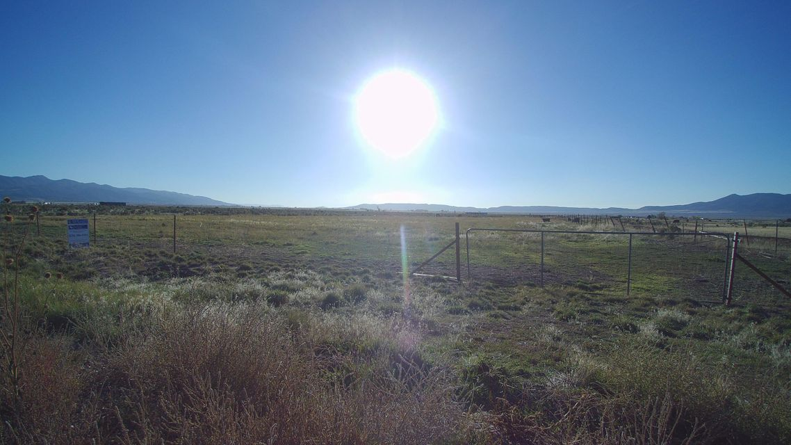 Additional photo for property listing at 19.49 Ac I-15 Exit 82 19.49 Ac I-15 Exit 82 Paragonah, Utah 84760 Estados Unidos
