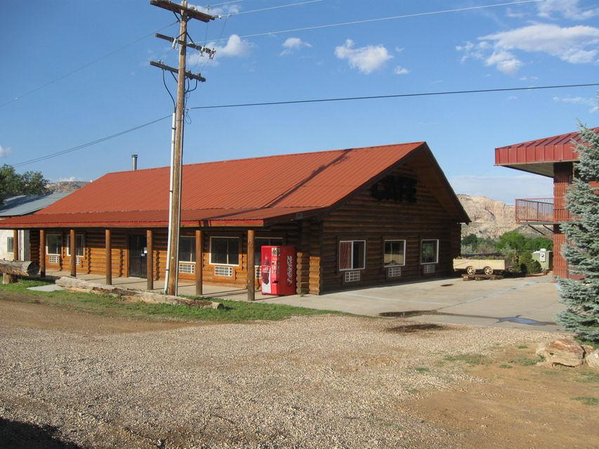 Commercial for Sale at 100 North 100 North Escalante, Utah 84726 United States