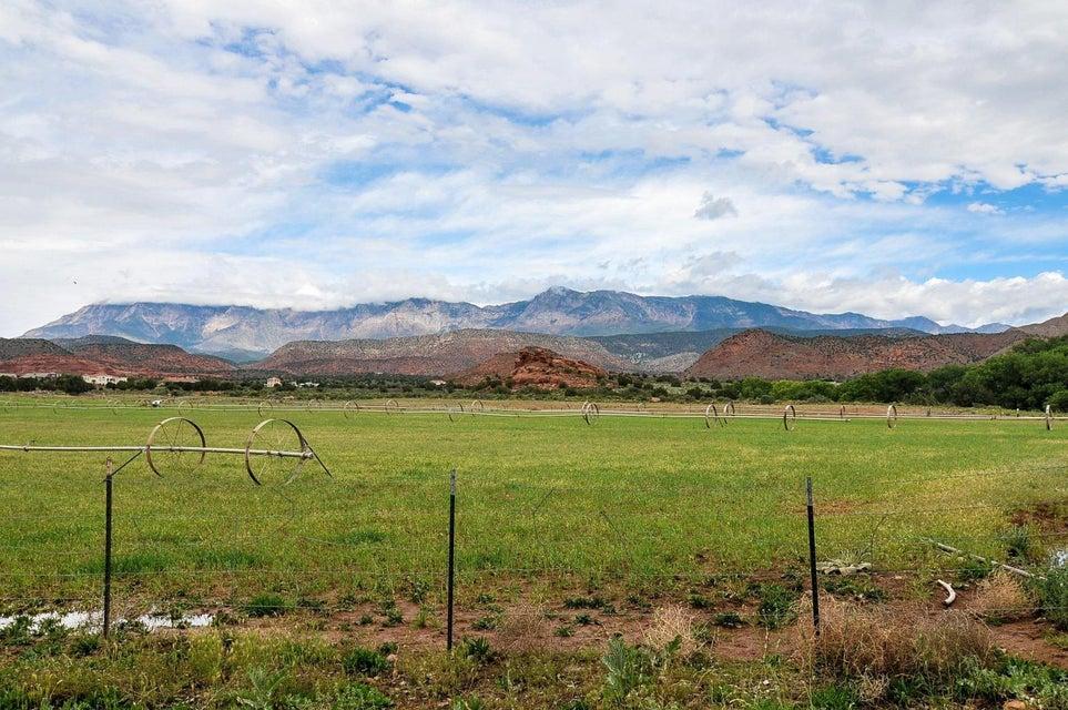 Single Family Home for Sale at 985 Wonder Lane 985 Wonder Lane Leeds, Utah 84746 United States