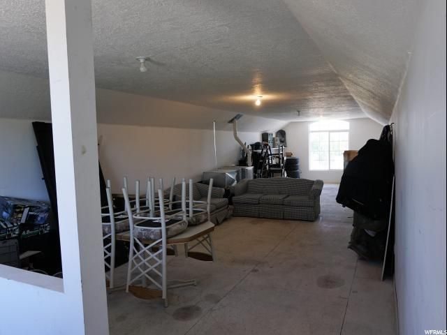 Additional photo for property listing at 2435 Bridle Meadow Circle 2435 Bridle Meadow Circle Bluffdale, Utah 84065 United States