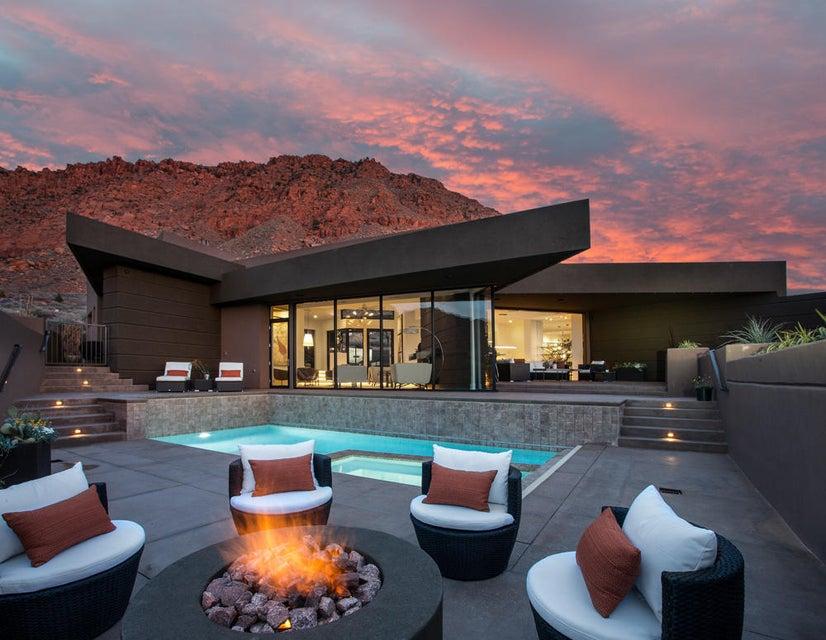 Maison unifamiliale pour l Vente à 275 Shinava Drive 275 Shinava Drive Ivins, Utah 84738 États-Unis