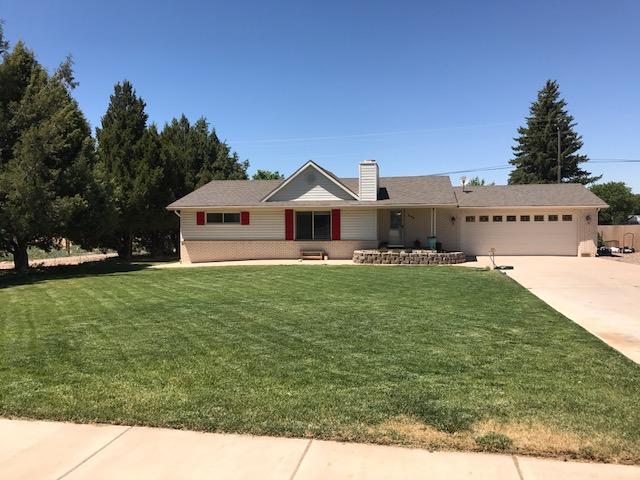 Maison unifamiliale pour l Vente à 345 Main Street 345 Main Street Enterprise, Utah 84725 États-Unis