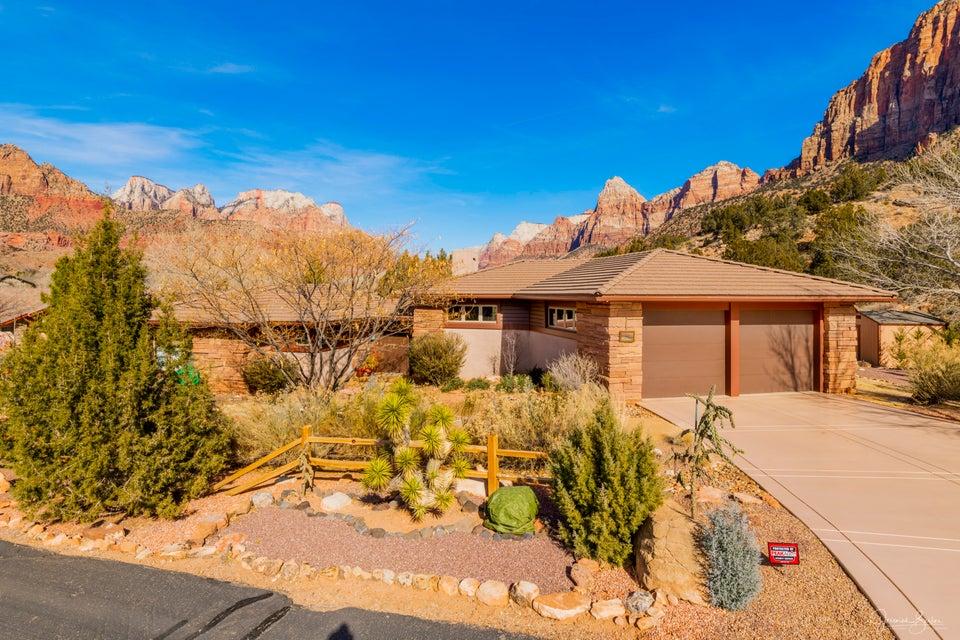 واحد منزل الأسرة للـ Sale في 101 Canyon Cove 101 Canyon Cove Springdale, Utah 84767 United States