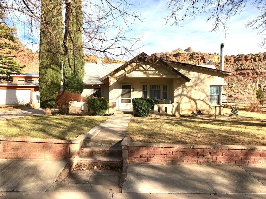 واحد منزل الأسرة للـ Sale في 161 Main Street 161 Main Street Rockville, Utah 84763 United States