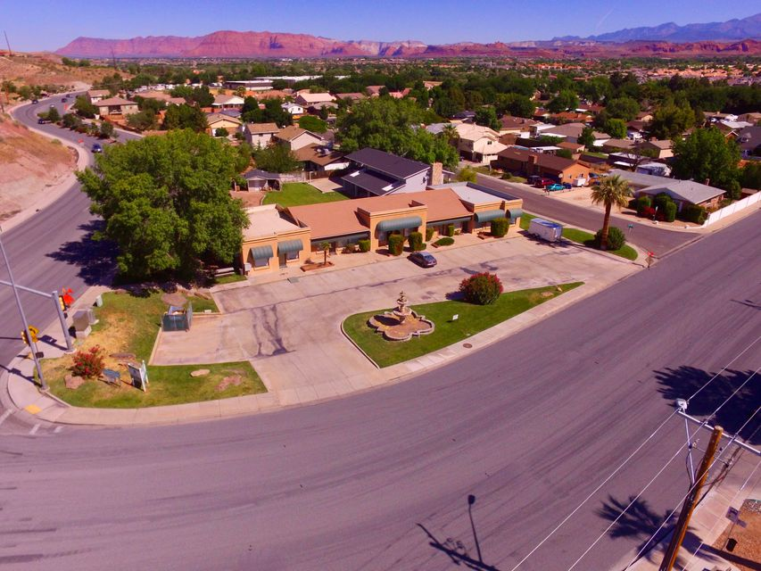 Commercial للـ Rent في Valley View Valley View St. George, Utah 84770 United States