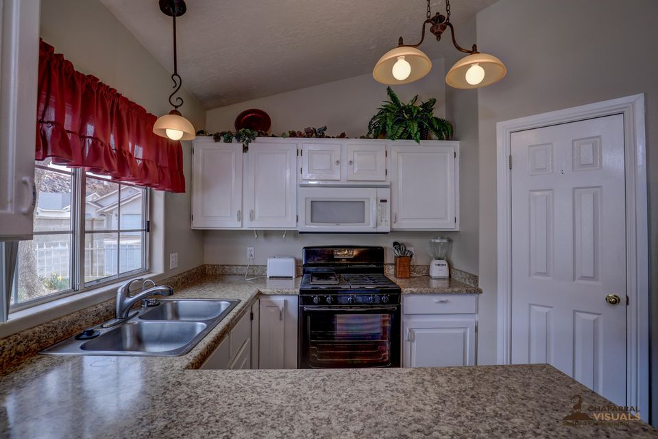 Additional photo for property listing at 710 Indian Hills 710 Indian Hills St. George, Utah 84770 États-Unis