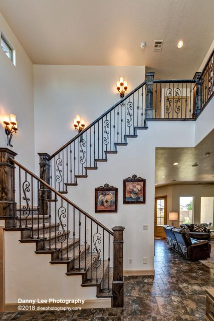 Come fall in L♥VE! This gorgeous home features 2 Casita\
