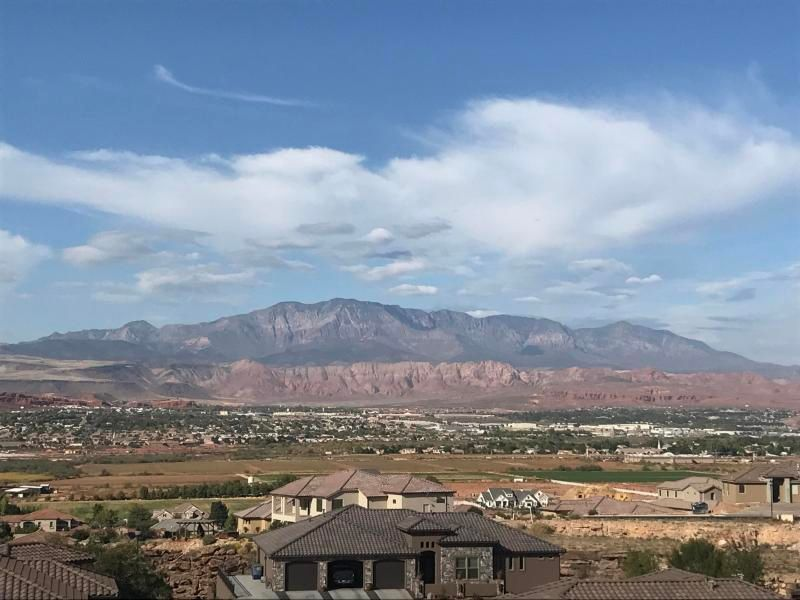 AMAZING UNOBSTRUCTED VIEW OF PINE VALLEY MOUNTAIN AND SURROUNDING AREA!!Beautiful Stone Cliff community. WATER CONSSERVANCY IS PAID!! This saves the buyer over 8400.00.. Pad ready to build. Available house plan with purchase. (OWNER AGENT)Buyer to verify all info.