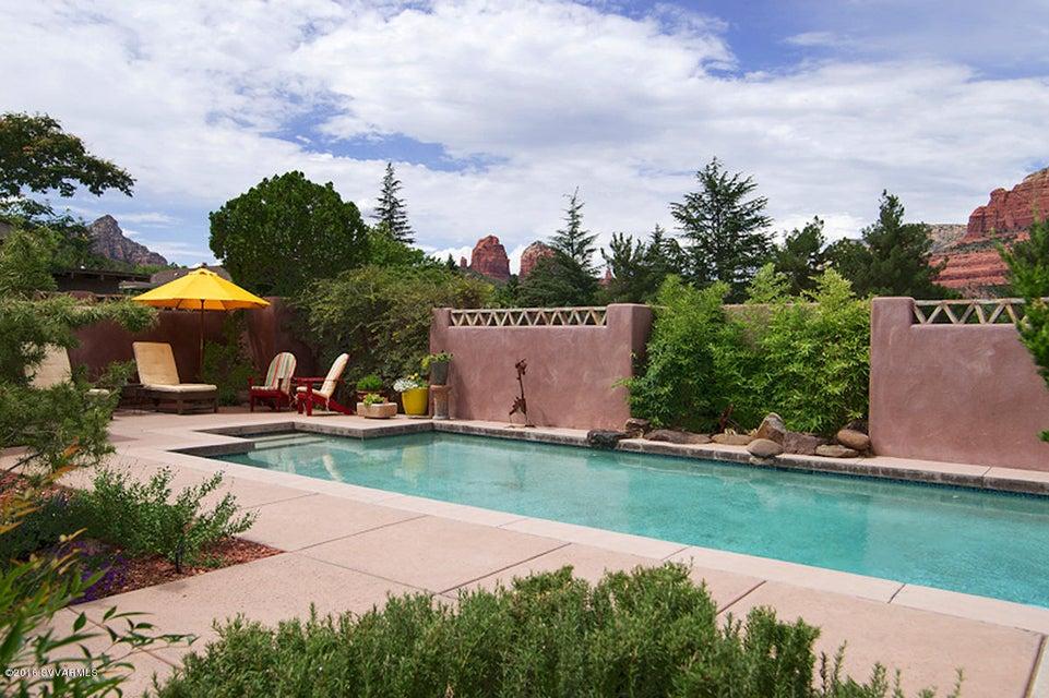 440 navahopi rd sedona az real estate under 5 acres for Sedona luxury cabins