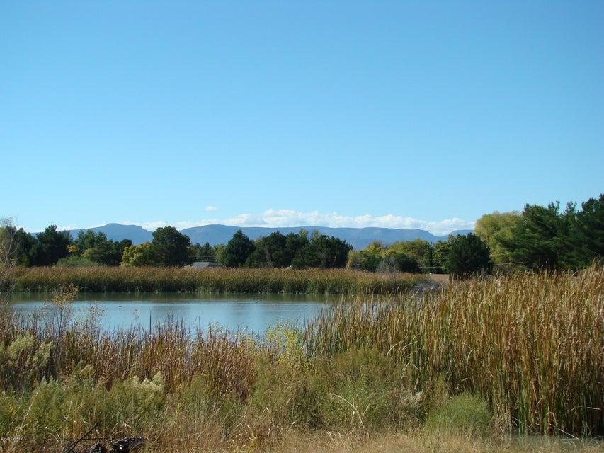 lake montezuma Duke of moctezuma de tultengo, a spanish hereditary title held by descendants of moctezuma ii carlos montezuma lake montezuma, arizona, a.