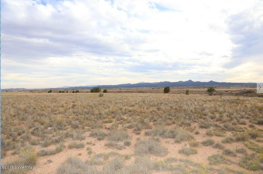 000 W Sandstone Drive, Paulden, AZ 86334