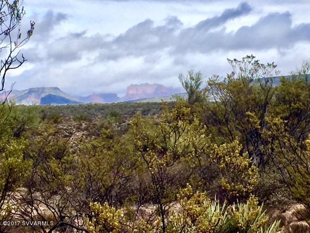 6945 N Canyon Rd, Rimrock, AZ 86335