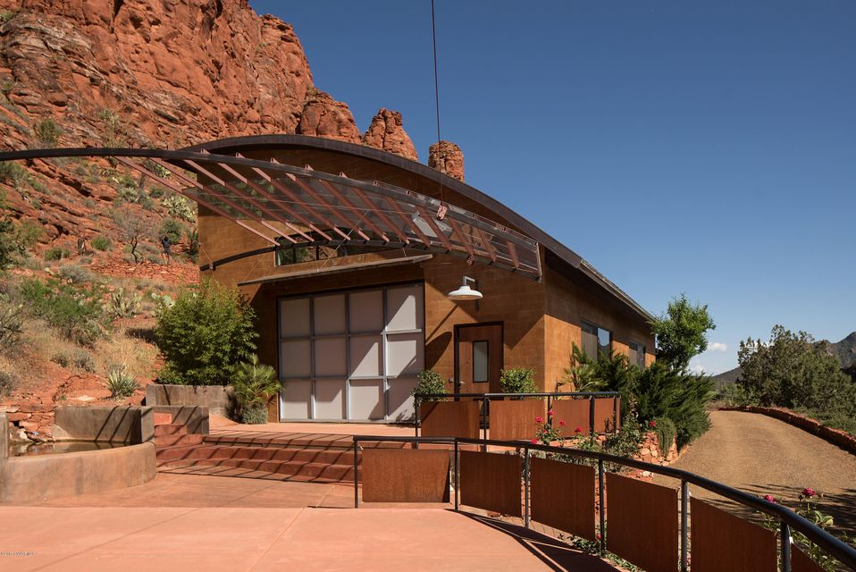 2945  Red Rock Loop Rd Sedona, AZ 86336