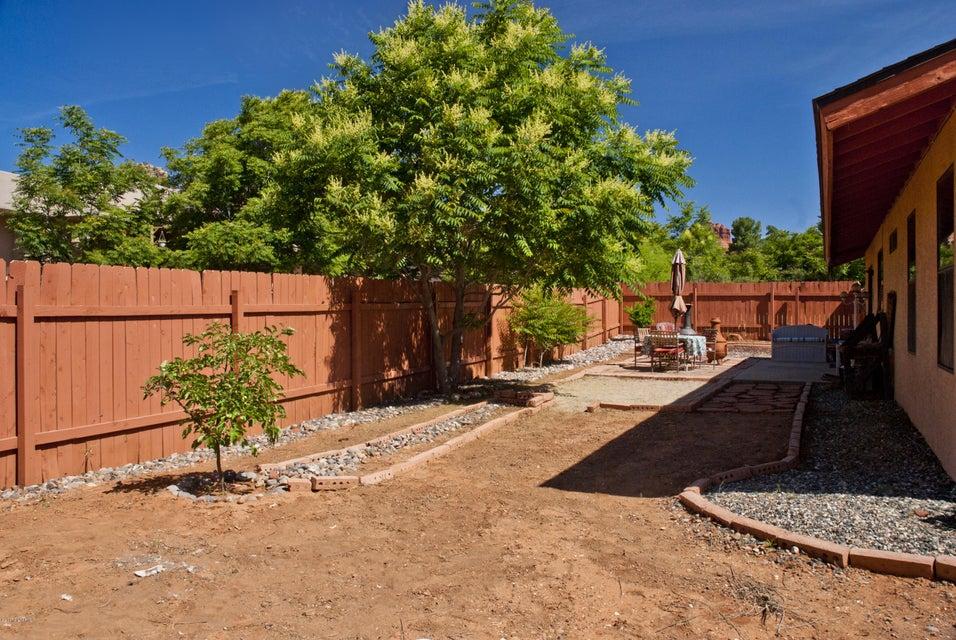 75  Valley Tr Sedona, AZ 86351