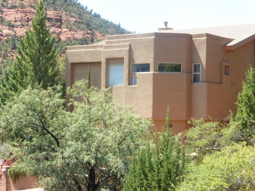 310 Alhambra Rd