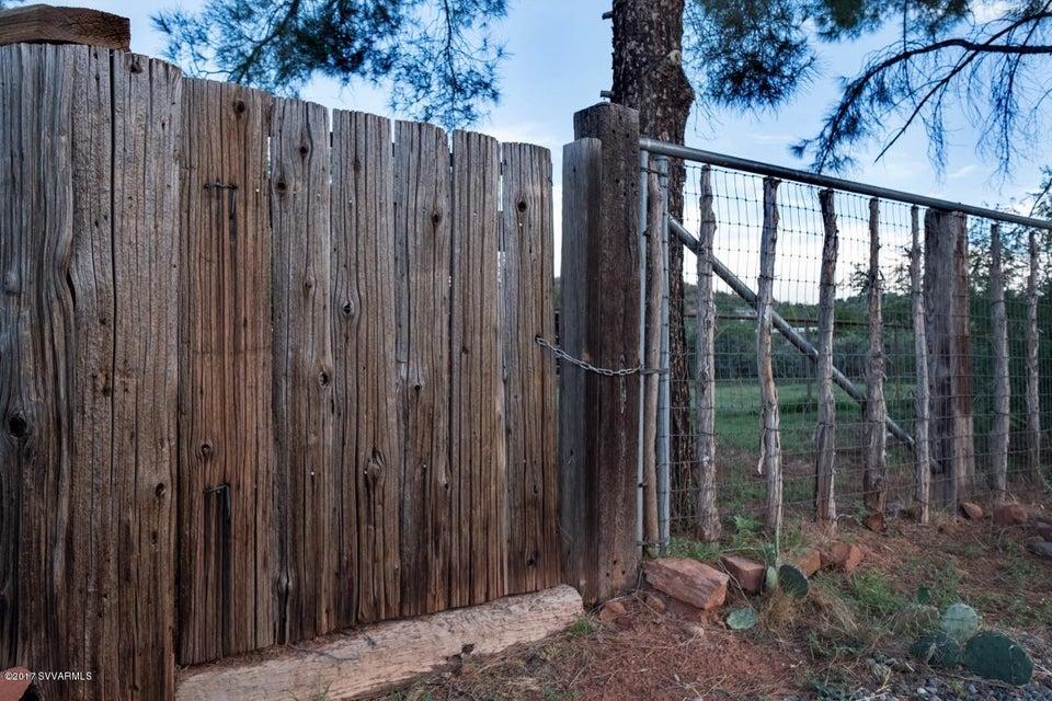 15  Mockingbird Sedona, AZ 86336