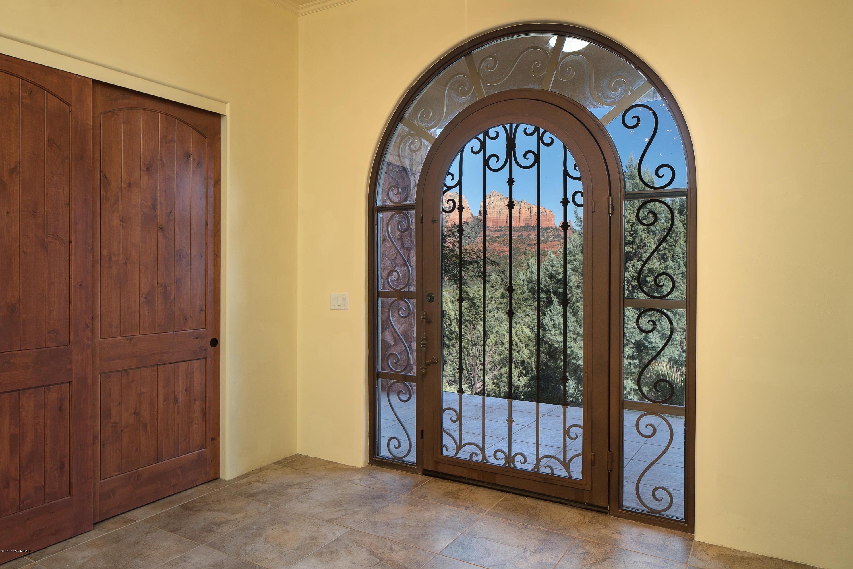 360  Vista Grande Court Sedona, AZ 86336