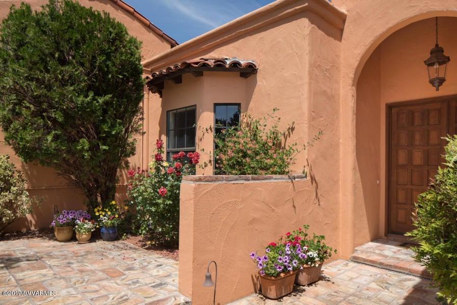 176  Ridge Trail Sedona, AZ 86351