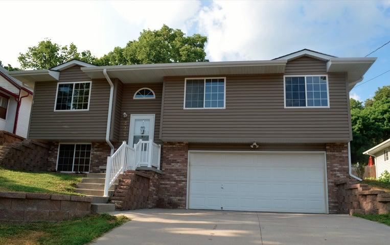 Council Bluffs, Iowa - Omaha, Nebraska - Homes - Real Estate