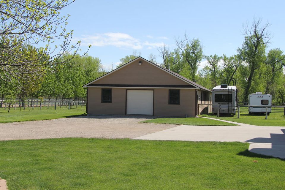105 Decker Road,Sheridan,Wyoming 82801,4 Bedrooms Bedrooms,3.5 BathroomsBathrooms,Residential,Decker,17-465