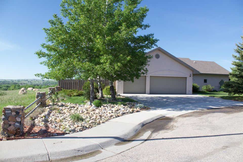 777 N Ridge Way, Buffalo, WY 82834