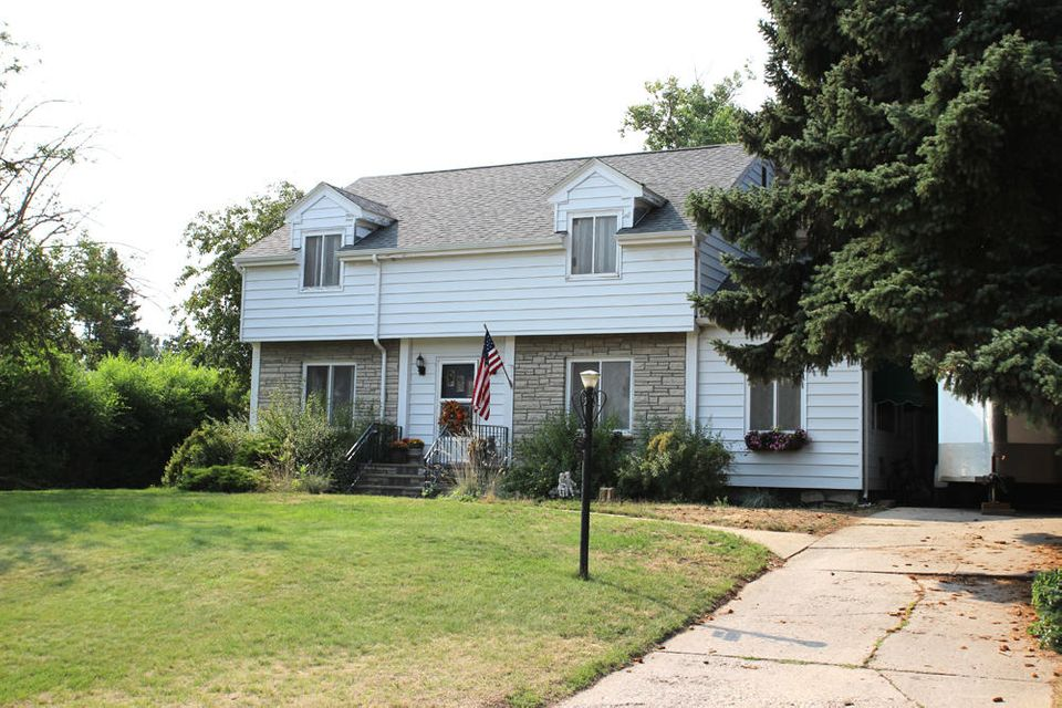 822 Victoria Street,Sheridan,Wyoming 82801,4 Bedrooms Bedrooms,2.5 BathroomsBathrooms,Residential,Victoria,17-915