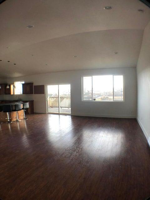 2407 Juniper Sheridan,Wyoming 82801,6 Bedrooms Bedrooms,2 BathroomsBathrooms,Residential,Juniper,17-1190